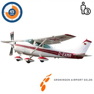 Trail lesson | Flight lesson | Sightseeing Flight Cessna 182 Skylane Groningen Airport Eelde  (45 minutes)