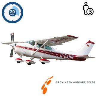 Proefles | Vliegles | Rondvlucht Cessna 182 Skylane Groningen Airport Eelde (20 minuten)
